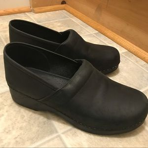 Women's Land's End Euro Black Clog!  Size 43